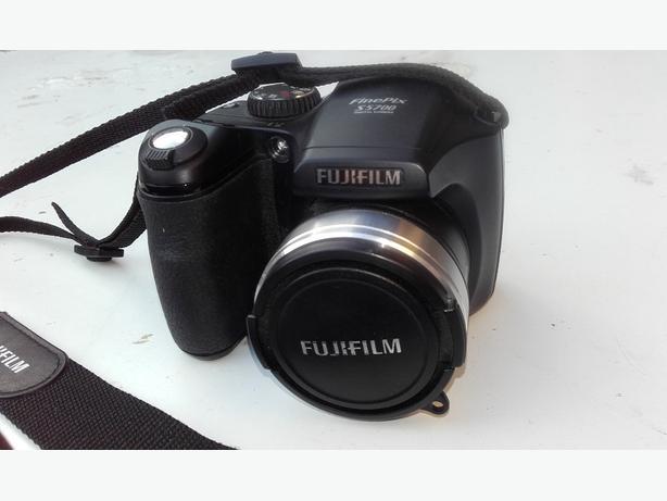 Fujifilm digital camera S5700