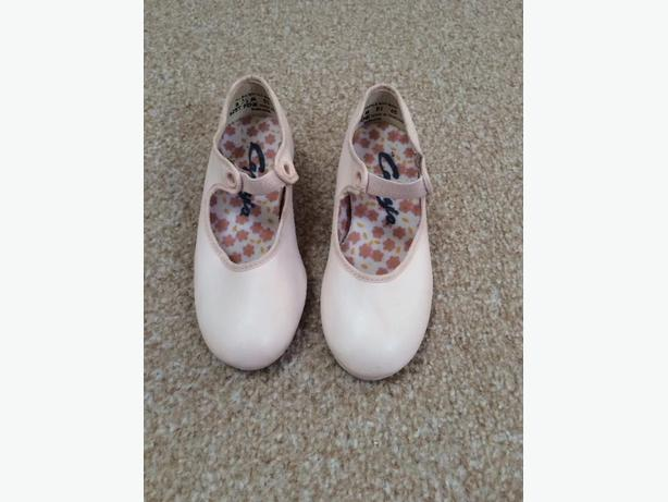 Girls Pink Tap Shoes size 8.5