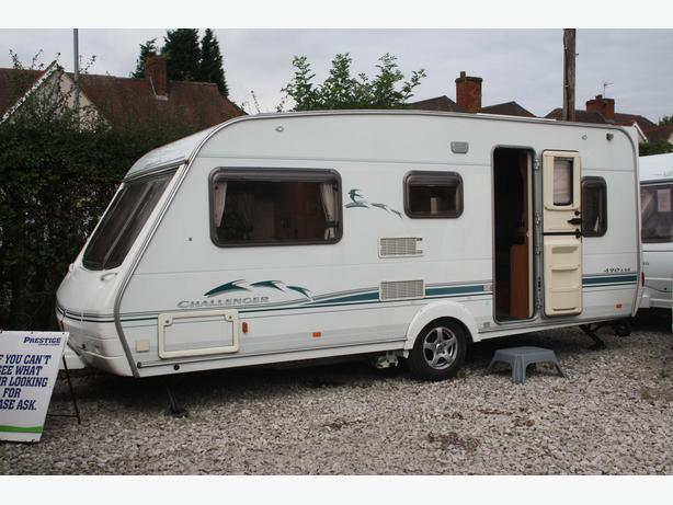 SWIFT CHALLENGER 490 L   TOP OF THE RANGE LUXURY 5 BERTH MODEL