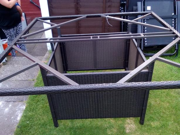 Garden table forsale