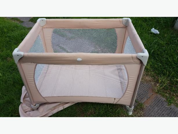 TRAVEL COT IN CASE MINT CON