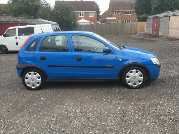 2003 corsa 1.2 low milage