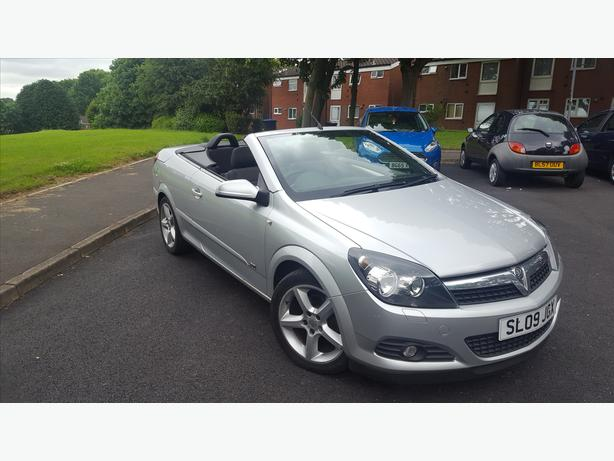 **Vauxhall Astra Twintop Sport** [[54,000miles]]