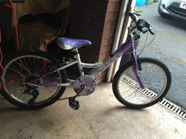 Girls bike aged approx 7