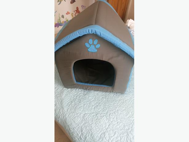 Dog Bed (Never been used)