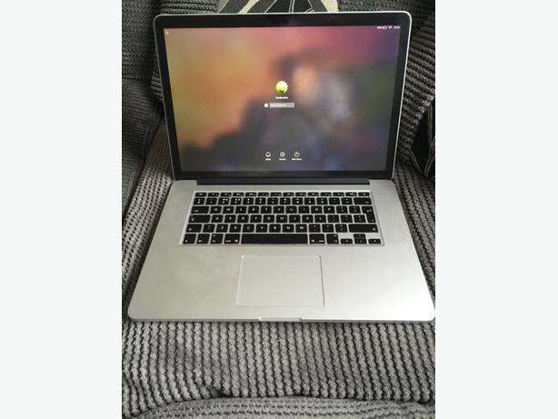 Apple Macbook 2015 model pro core17 laptop 15.4 inch