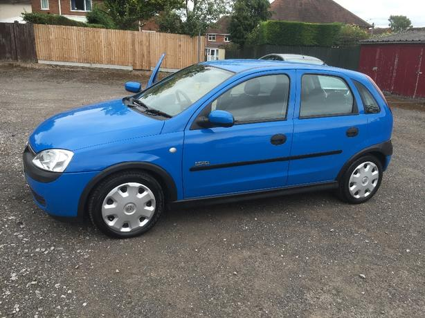 2003 very low milage corsa