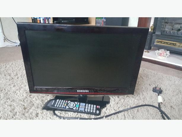 "Samsung 19""tv HD lcd 1080i as new with remote"
