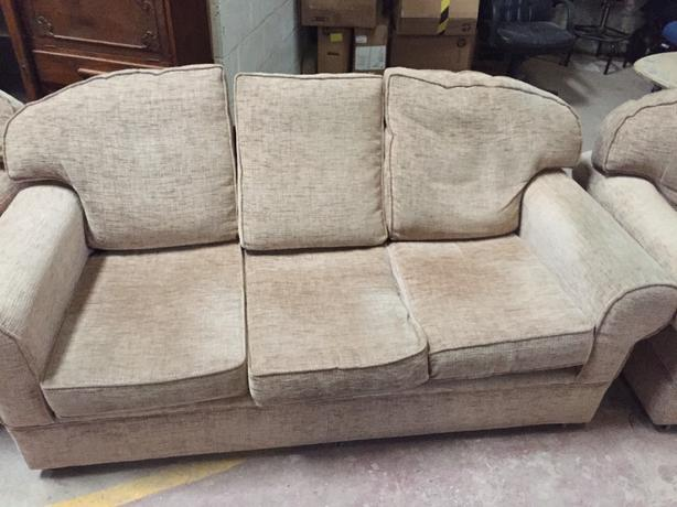 3 seater and 2 armchairs