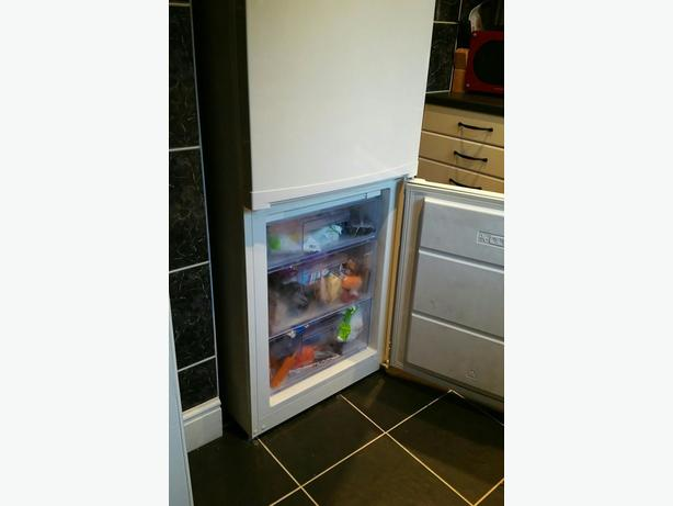 **reduced for quick sale ** Zanussi frost free fridge freezer