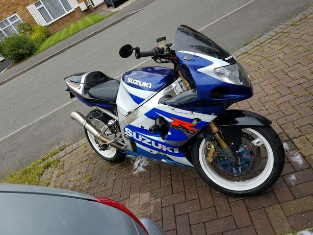 Suzuki GSXR 1000 2001 K1 Motorbike