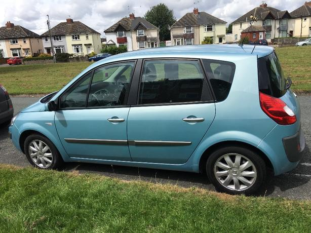 Renault Scenic 1.6 vvt dynamic. Automatic
