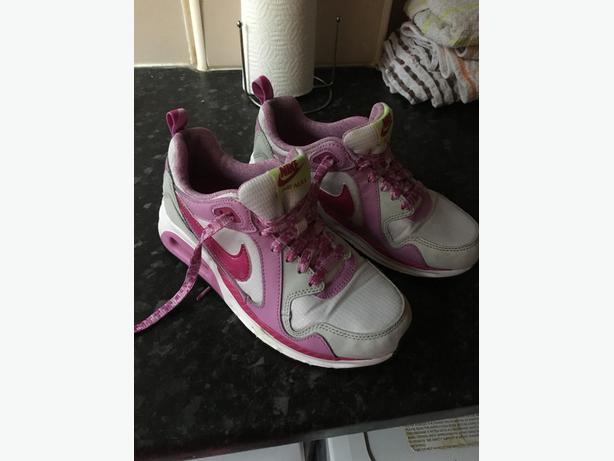 Nike air max trainers size 3