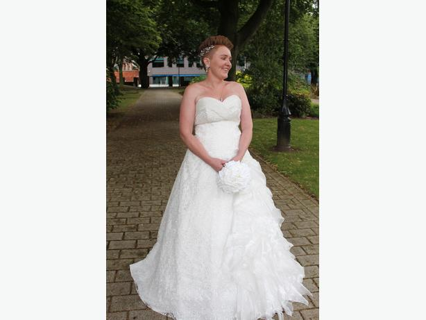 size 10 - 14 white princess style wedding dress