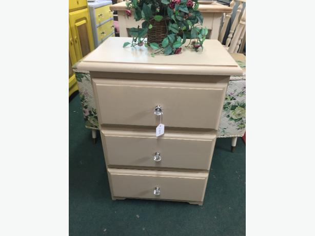 shabby chic bed side draws