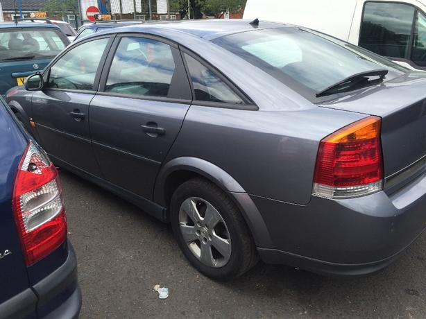 vauxhall vectra 2005 breaking for spares! over 150 cars breaking!!