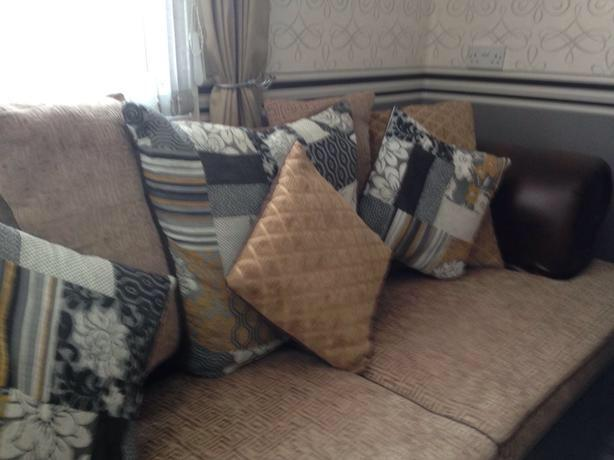 Chesterfield 3/4 Seater Sofa With Twister  Chair