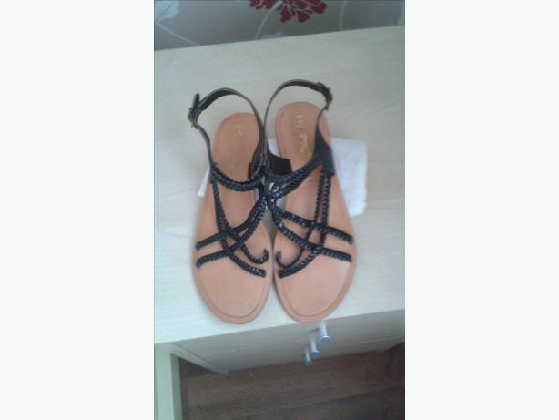 BLACK LEATHER NEW LOOK SANDALS SIZE 5- BRAND NEW