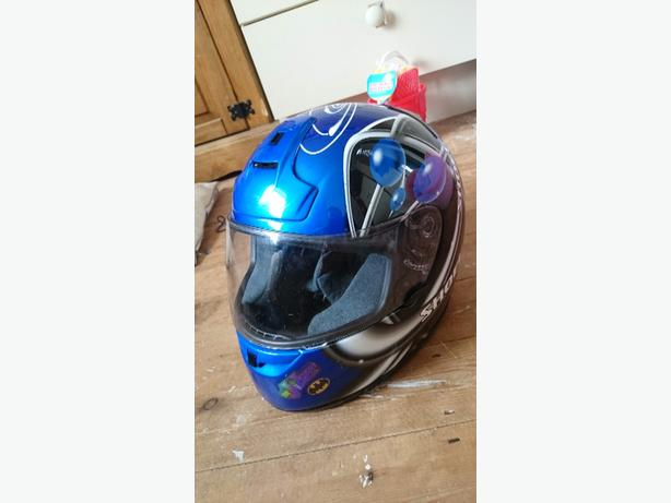 purple motor cycle helmet