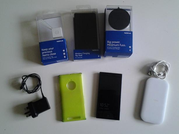 lumia 830 (windows 10) perfect working order loads of extras bargain