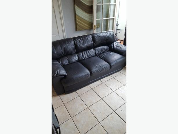 black leather 3 peice suite sofa settee