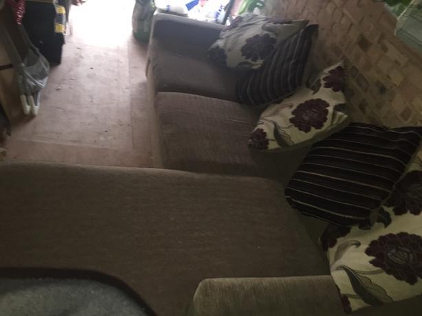 LHand/RHand Corner Sofa
