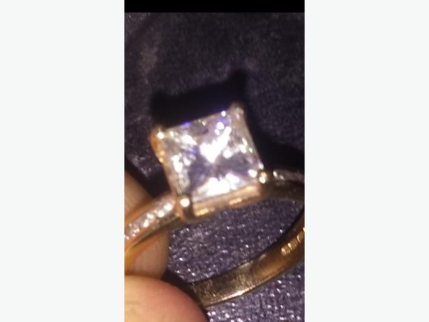 moissanite 1.2 crt 9crt gold engagement ring