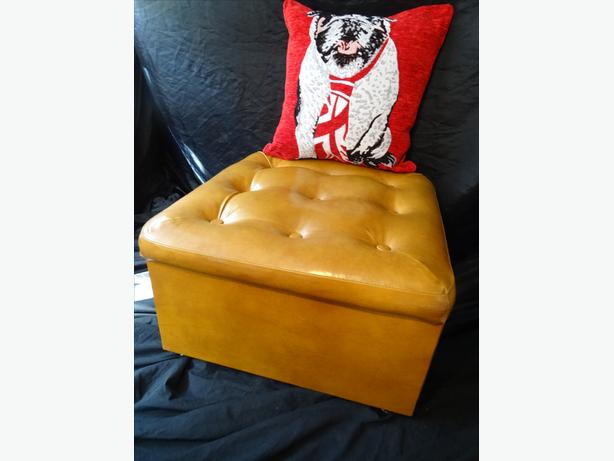 Immaculate Chesterfield Mustard Tan Leather Footstool Ottoman