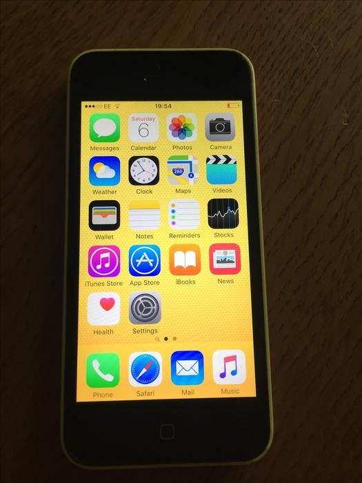 iphone 5c yellow apple iphone 5c unlocked 16gb yellow dudley dudley 2424