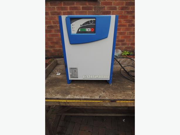 Forklift Truck Battery Charger - CMP2100