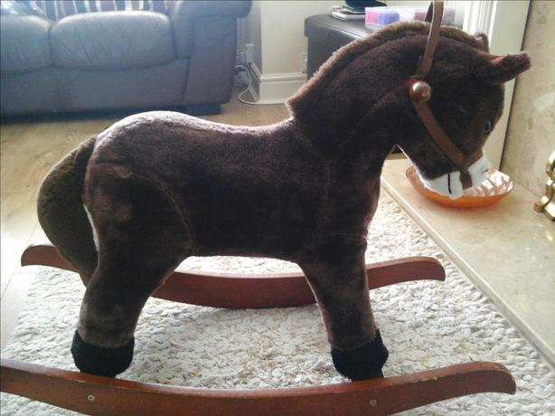 rocking horse with galloping sound