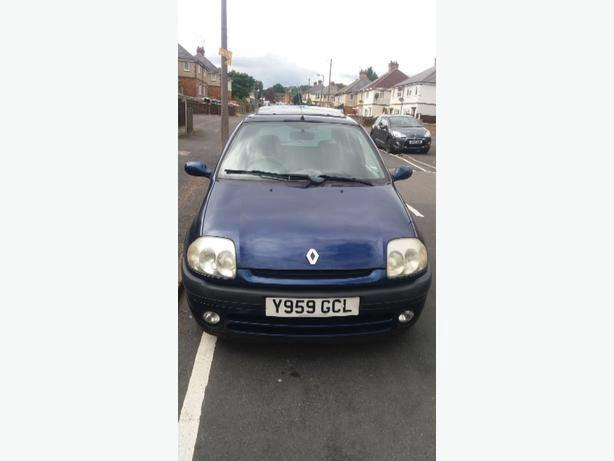 blue clio with mot