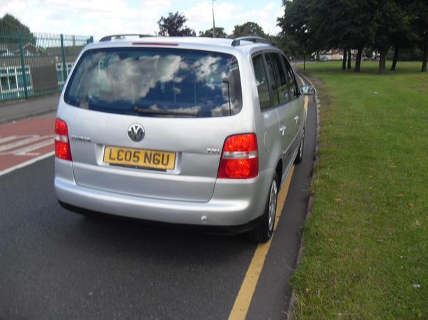 2005  Volkswagen Touran 1.9 TDI S 5dr