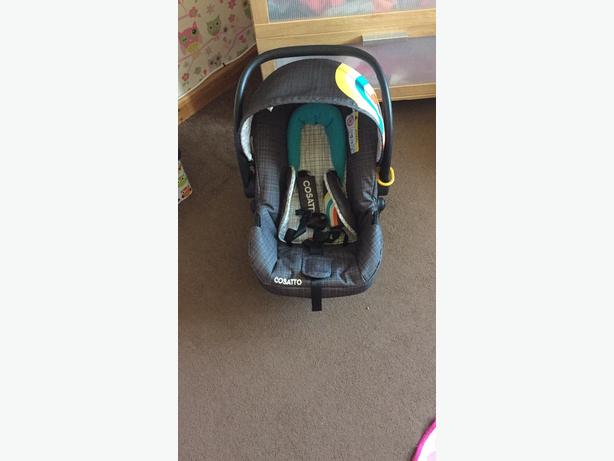 fisher price baby bath & cosatto carseat.