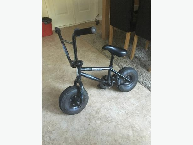 black bmx mini rocker bike