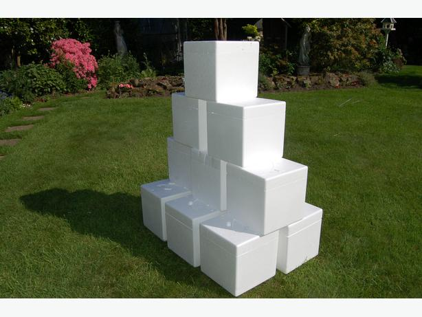 25 Polystyrene Boxes 12' x 12' x 12'