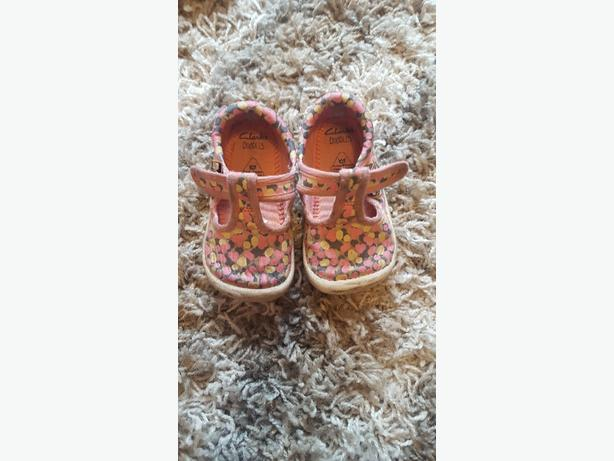 girls clarkes shoes