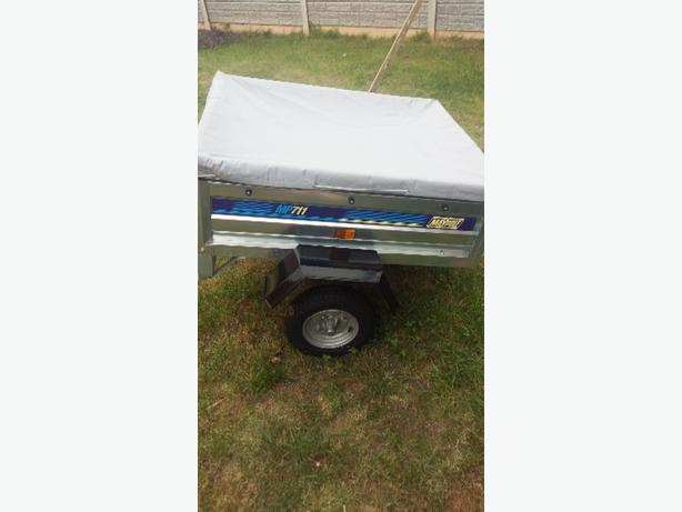 metal maypole 711 trailer and cover