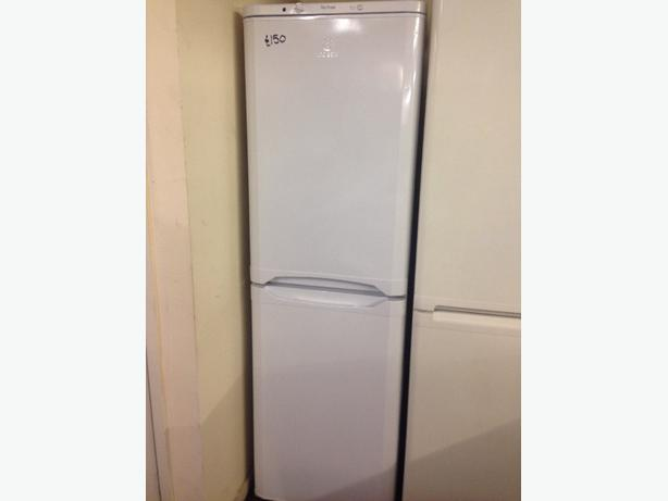 INDESIT FROST FREE FRIDGE / FREEZER