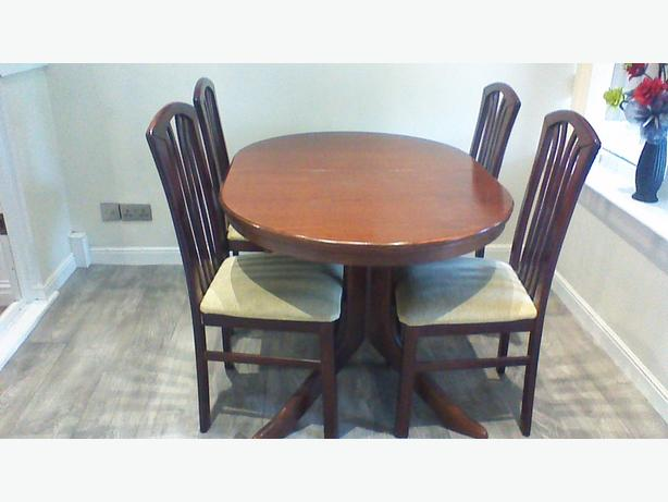 dining table and six chairs Kingswinford Dudley : 105825923614 from www.useddudley.co.uk size 614 x 461 jpeg 31kB