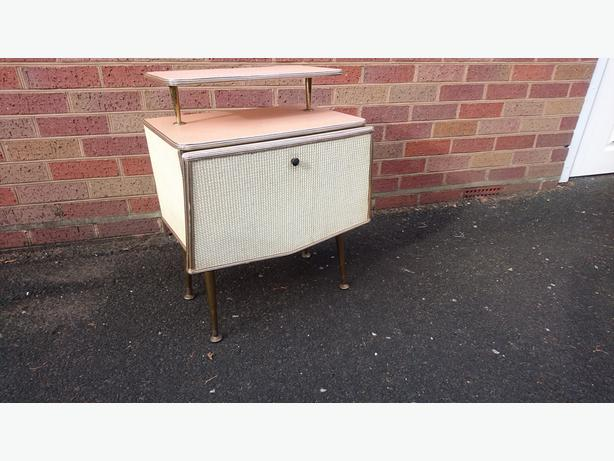 VINTAGE 1960S ALL ORIG WOVEN BODY BEDSIDE CABINET WITH SHELF DANSETTE LEGS VGC