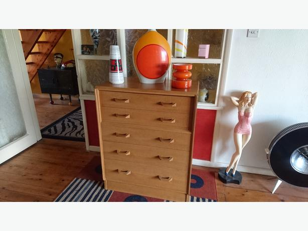 EARLY G-PLAN VINTAGE MID CENTURY DANISH DESIGN CHEST OF DRAWERS