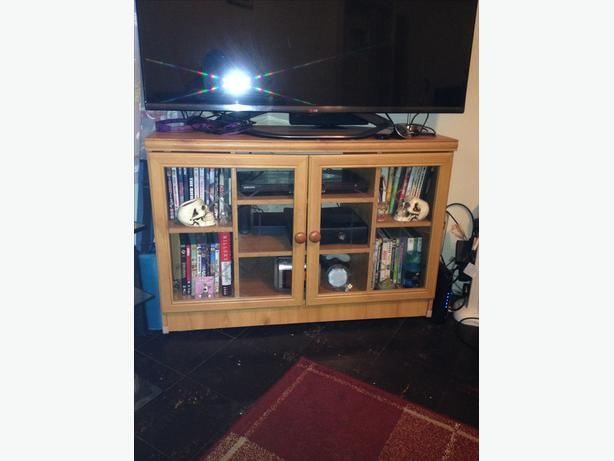 TV/DVD corner stand