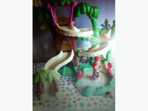 Disney Jungle junction and figure