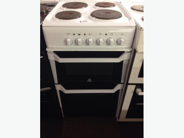 INDESIT ELECTRIC COOKER WHITE