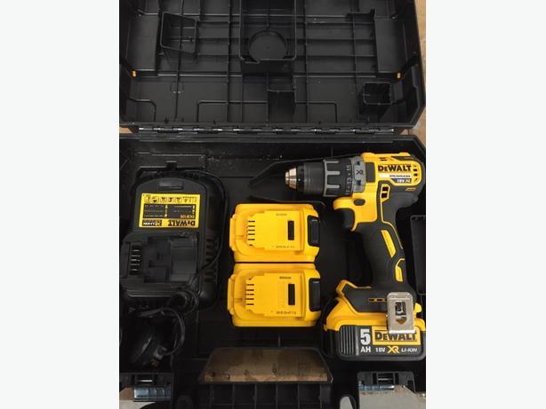 DEWALT 18v BRUSHLESS XR DRILL DRIVER + batteries and charger