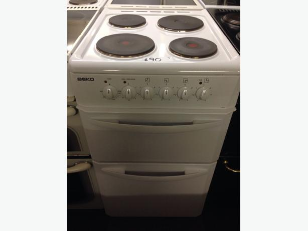 WHITE BEKO 50CM ELECTRIC COOKER2