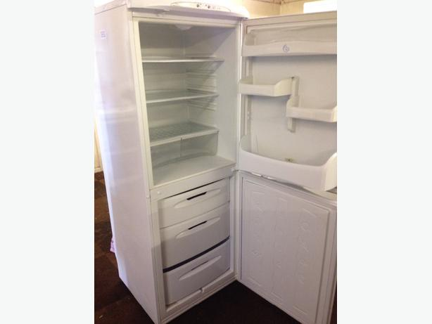 HOTPOINT FRIDGE / FREEZER FAST FREEZE FROST FREE WHITE