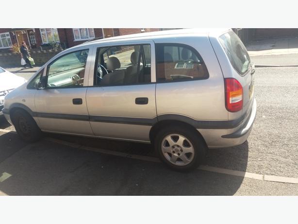 Vauxhall zafira 1.6 51 reg low mialage