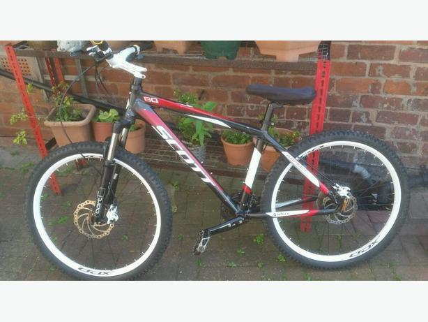 SCOTT MOUNTAIN BIKE 26INCH WHEELS hydraulic BRAKES